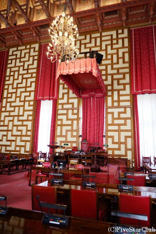 市庁舎 市議会室