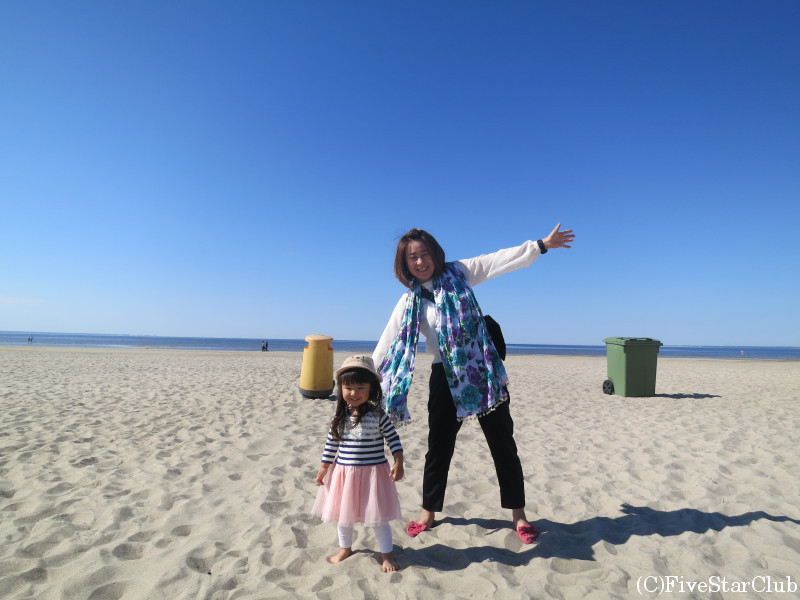 パルヌのビーチにて