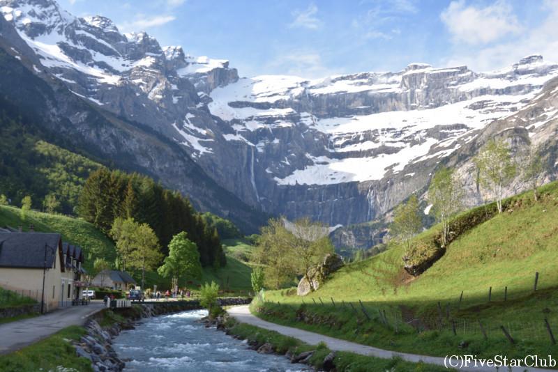 カヴァルニ―の滝 ハイキング 一本道です。
