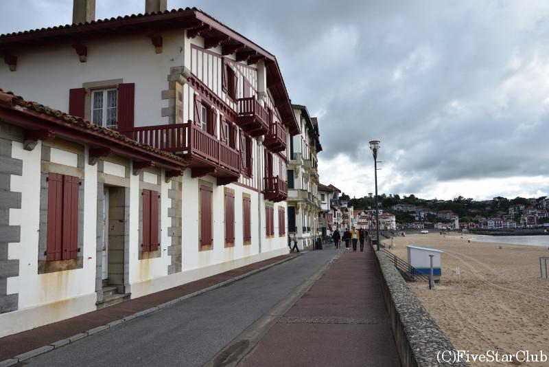 サン・ジャン・ド・リュズの街並み