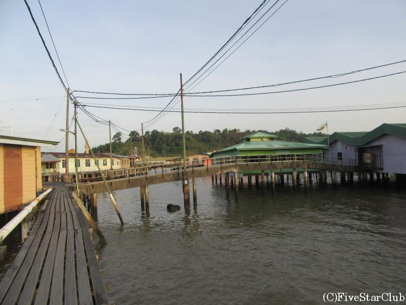カンポン・アイール(水上集落)散策