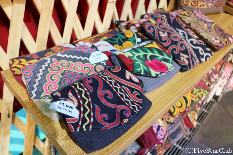 ノミンデパート 細かい刺繍が可愛い雑貨