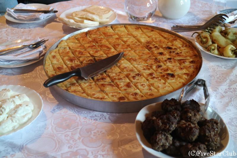 コソボの伝統食 フリア