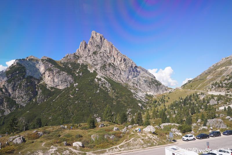 ファルツァーレゴ峠からの景色