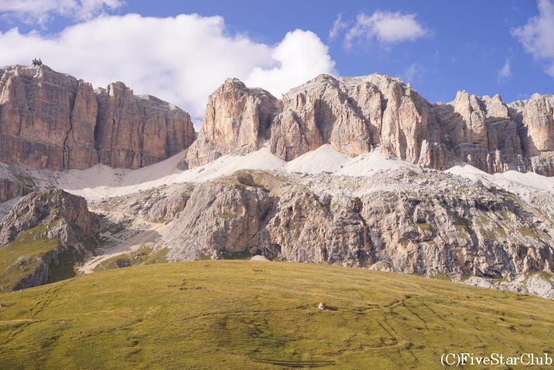 ポルドイ峠からセッラ山群の景色