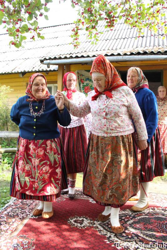 キフヌ女性と交流