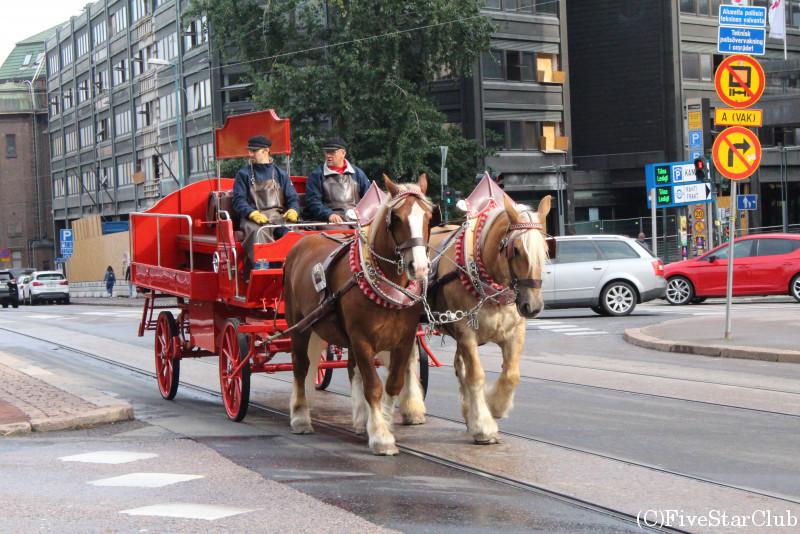市内を走る馬車