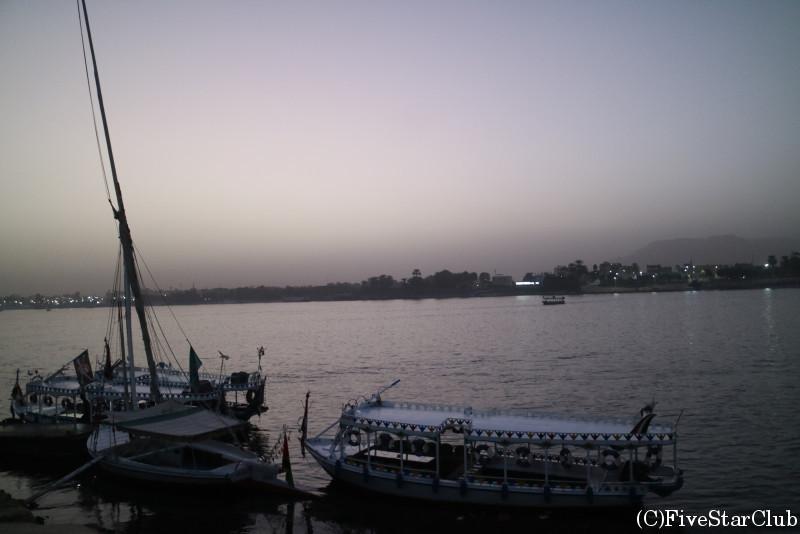 ナイル川を望む