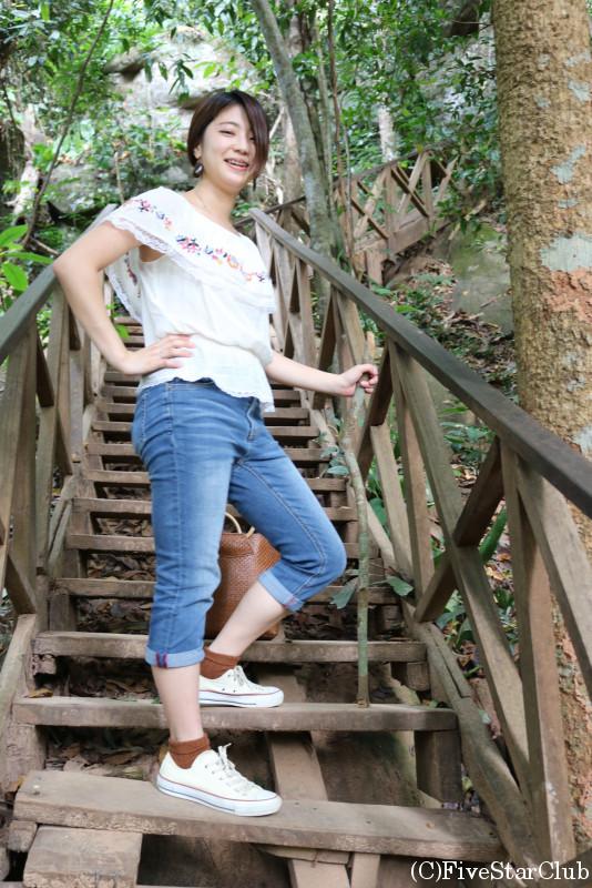 クバルスピアンへの階段にて