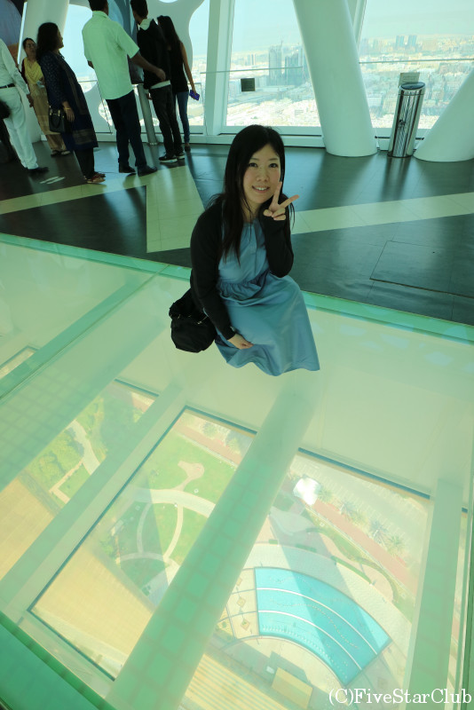 ドバイフレーム ガラスの床