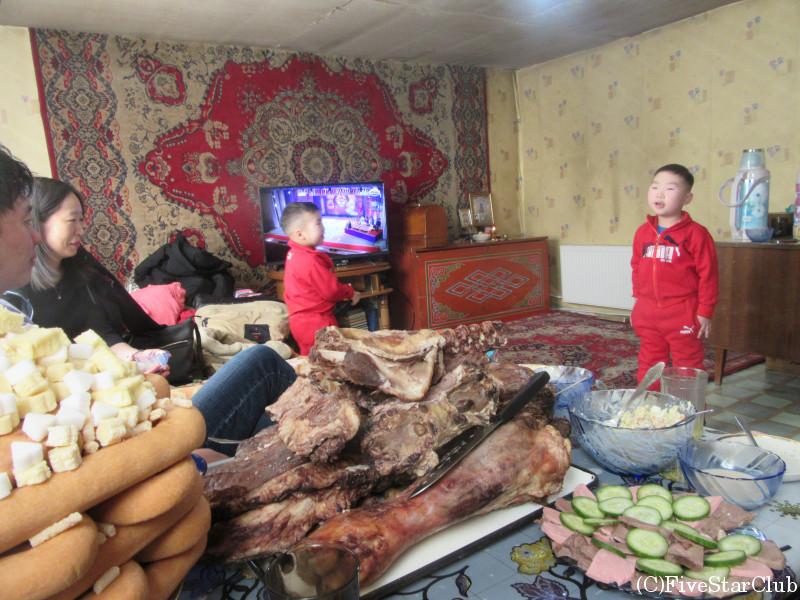 モンゴル正月体験 ガイドさん宅を訪問