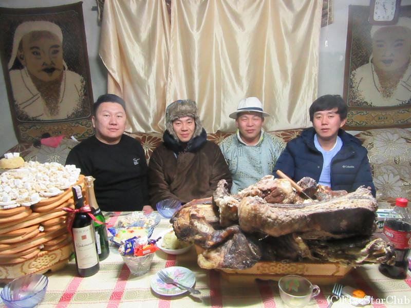 一般家庭でモンゴル旧正月(ツァガーンサル)体験