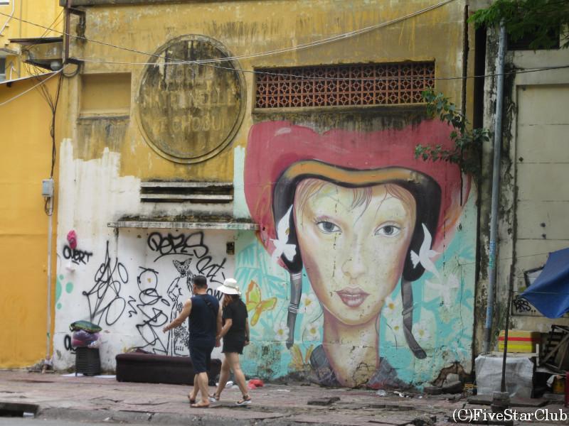街角の壁アート