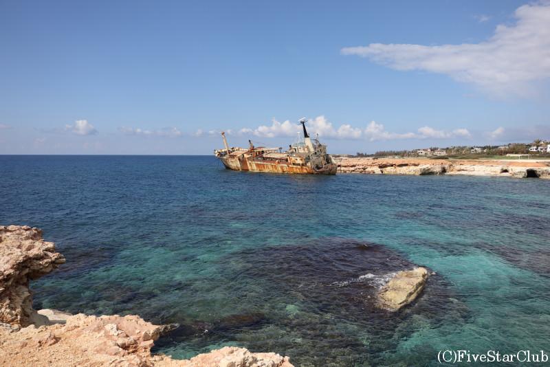 座礁船 シオラレオネ船籍 アカマス半島ジープサファリにて