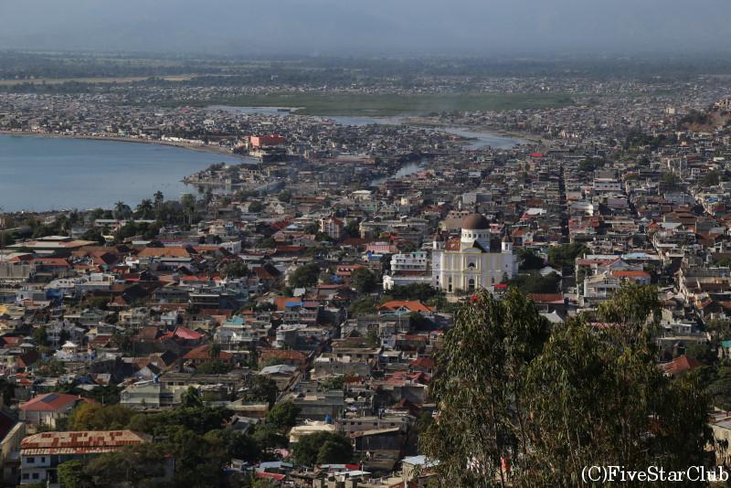 カバイシャンの町を眺望