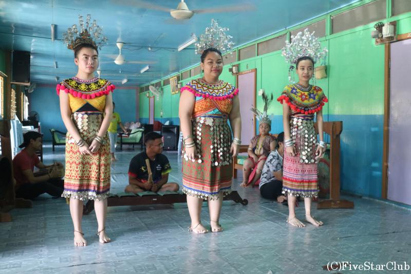 イバン族の伝統ダンス