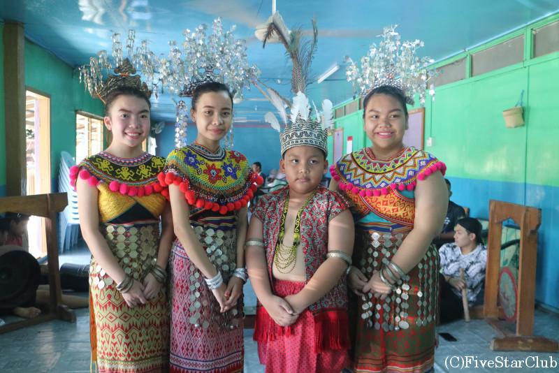 イバン族の子供たち