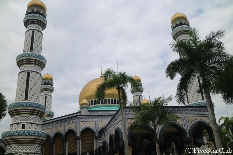 ジャメ・アスル・ハサナル・ボルキア・モスク(ニューモスク)