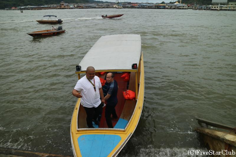 カンポン・アイールの水上タクシー