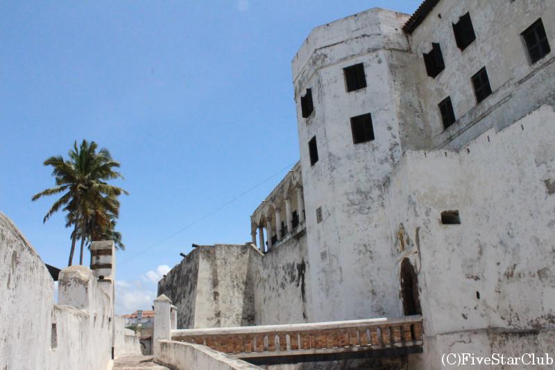 エルミナ城