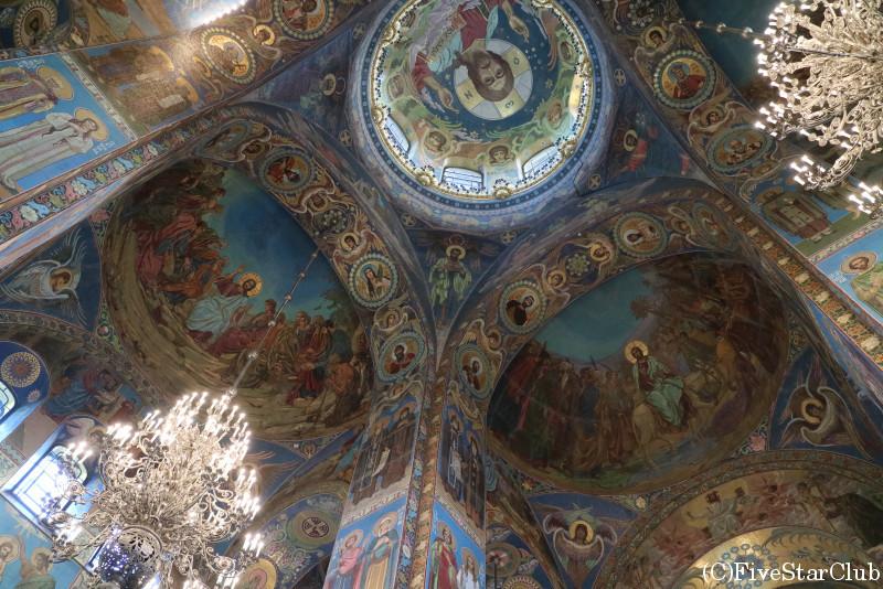 血の上の救世主教会/天井
