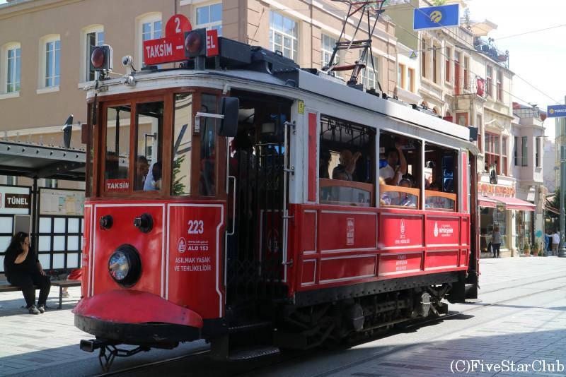 新市街の路面電車