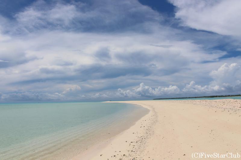 無人島の美しいビーチ