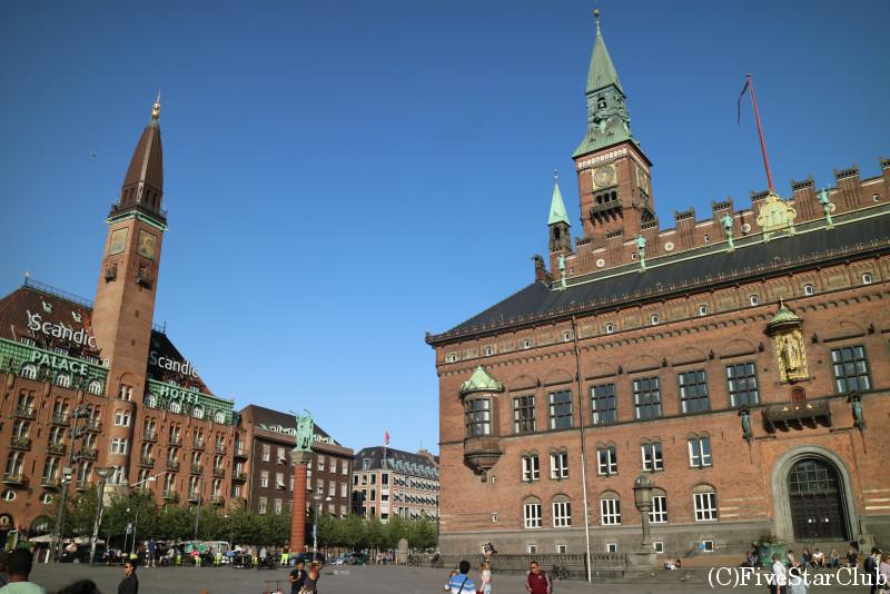 市庁舎前広場