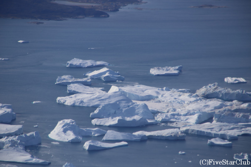 イルリサットからの定期便から見たグリーンランド