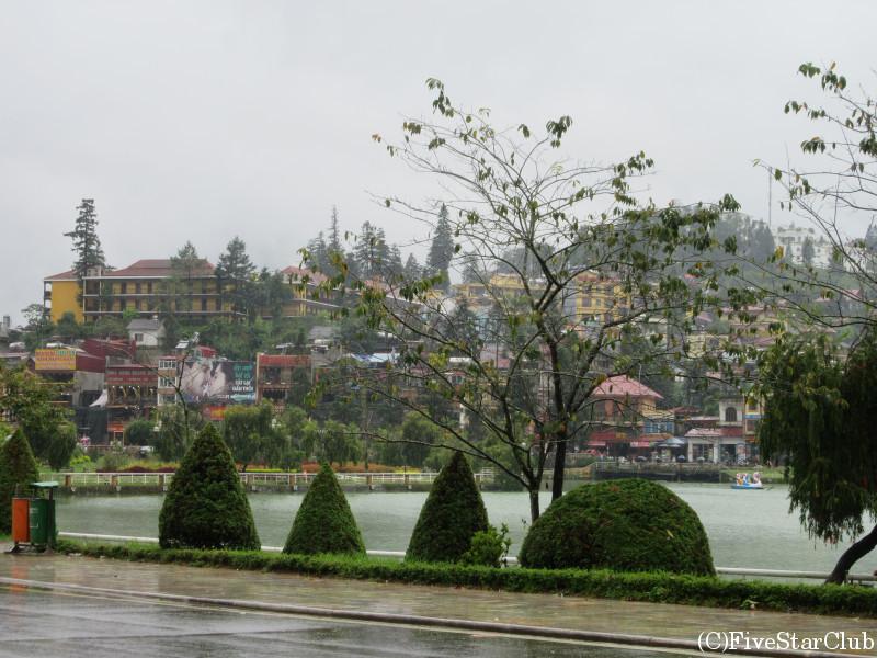 サパ湖とフランス別荘地時代の名残を感じるサパの街並み