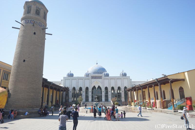 シェイフ・ムスリヒディン・モスクとバザール