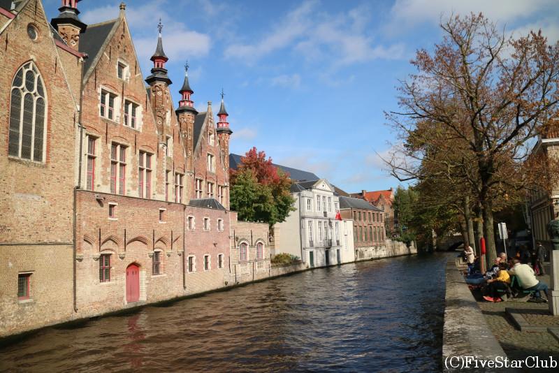 運河に寄り添う美しい街、ブルージュ