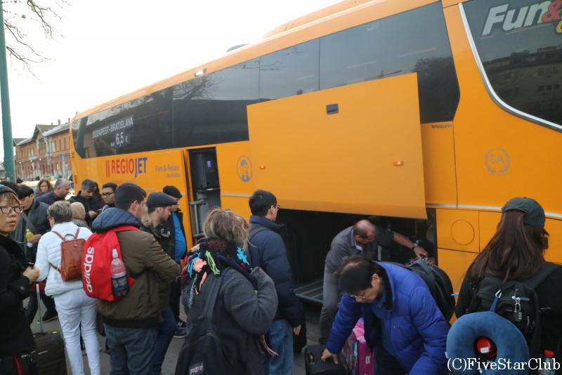 Autobusy RegioJet社の長距離バス