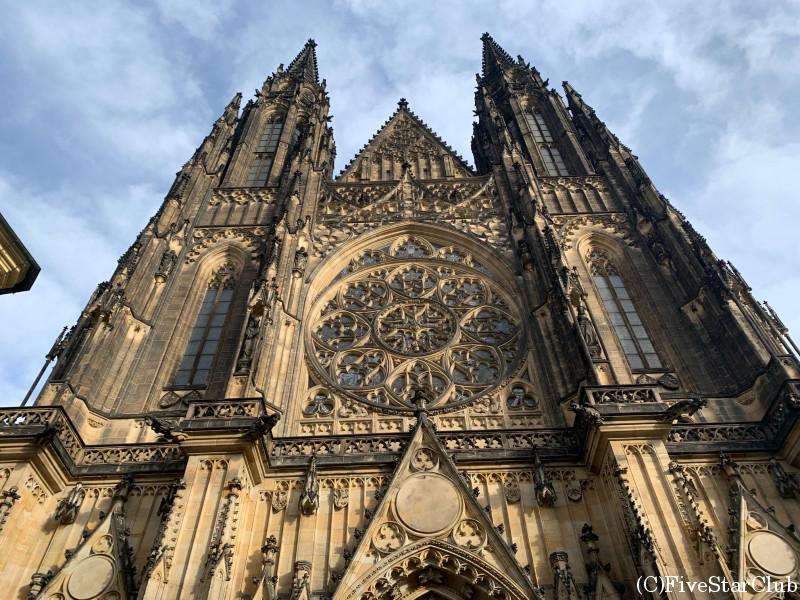 プラハ城の聖ヴィート大聖堂