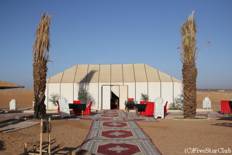 オーベルジュのテント