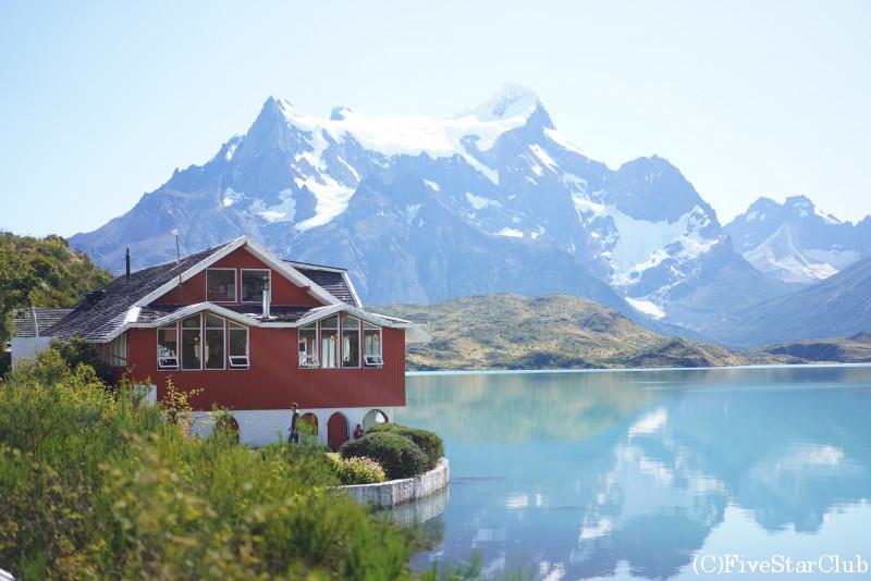 湖上に浮かぶレストラン「Restaurante Pehoe」