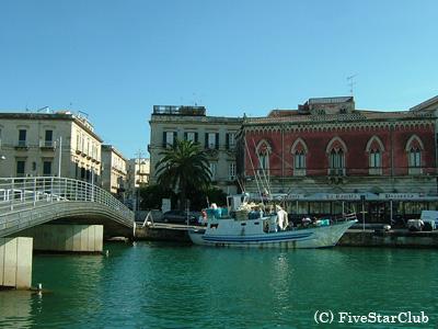 オルティージャ島の入口(シラクーサ)