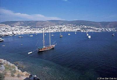 エーゲ海に面した港町ボドルム