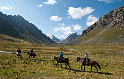 チョンケミン渓谷で乗馬体験(チョンケミン)