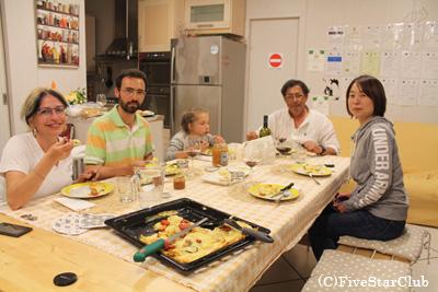 ディナーをオーナー家族と一緒に(モンタルチーノ)