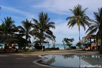 THE TAARAS HOTEL プール(レダン島)