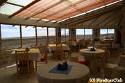 ウユニ塩湖のほとりに立つ高級ホテル「ルナサラダ」