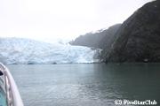 迫力ある氷河に近づく!