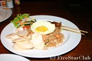 ローカルレストラン 「べべ・ブンギル」のインドネシア料理(イメージ)