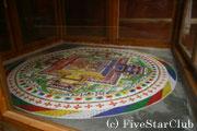 僧の修行のための砂曼荼羅
