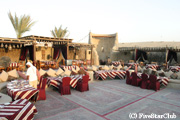 バブ・アル・シャムズ内砂漠のレストラン