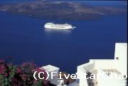 フィラタウンから見下ろすエーゲ海の風景は、まさに絶景のひとこと!