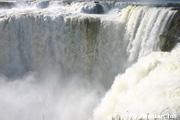 イグアス滝・悪魔の喉笛
