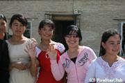 ウズベキスタンの若者