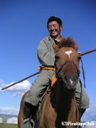 乗馬を指導してくれる遊牧民の指導員<イメージ>(中央県/モンゴル)